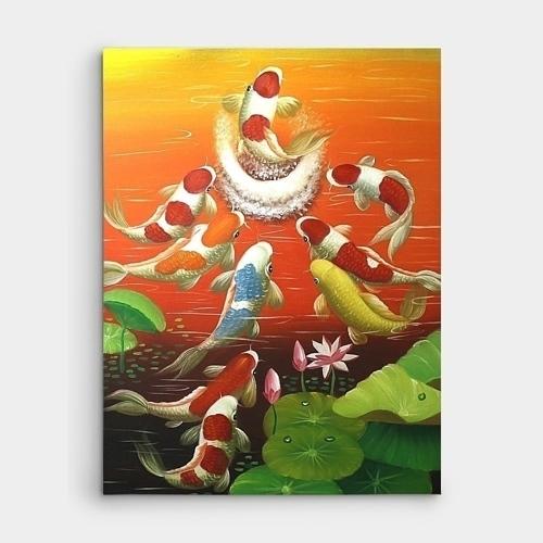 아홉마리의 비단 잉어가 뛰쳐오르는 모습을 표현한 잉어그림