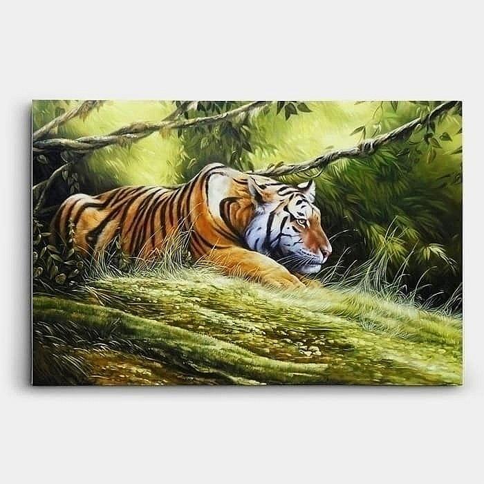 수풀 속에 앉아있는 호랑이 한마리를 묘사 풍수 호랑이 그림