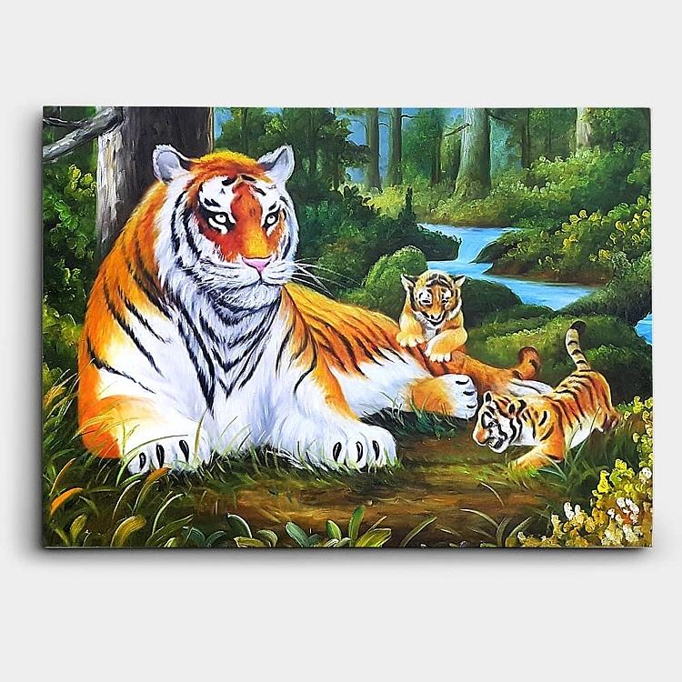 어미 호랑이와 두마리의 새끼 호랑이를 묘사한 그림